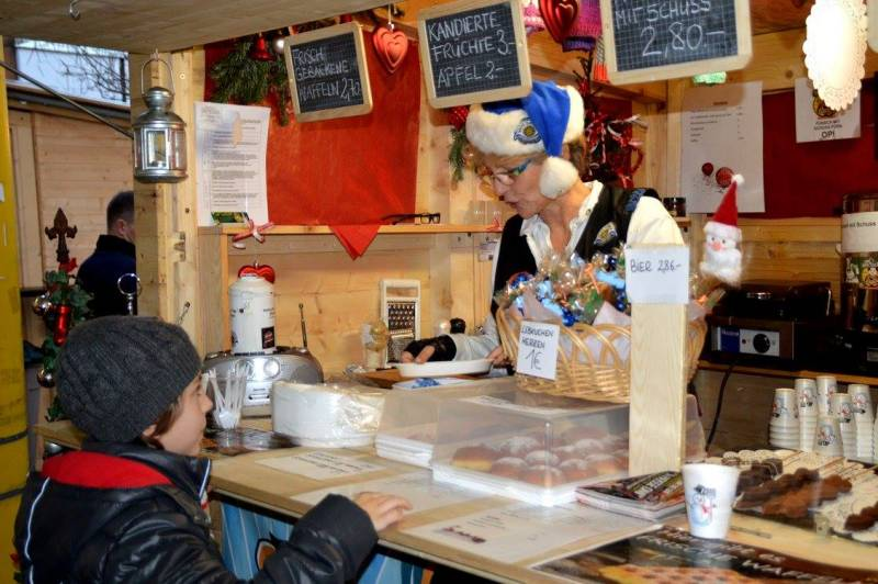 charity_adventhuette_2014_034