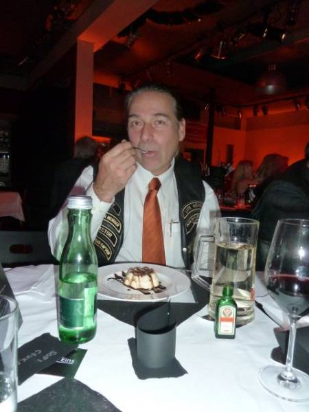 Weihnachtsfeier Wien Chapter 2012 014